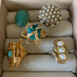 Vintage costume pearl+ green rings